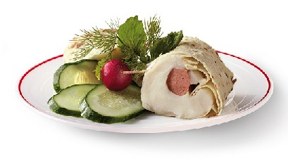 Tunnbröds Rulle (hotdogs wrapped in lefse)