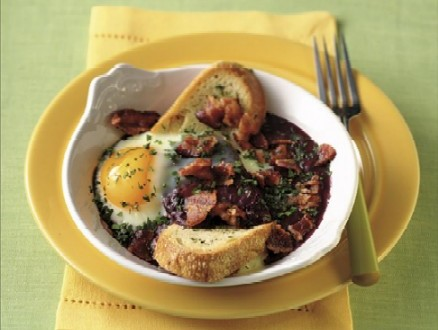 Eggs Baked in Red Wine