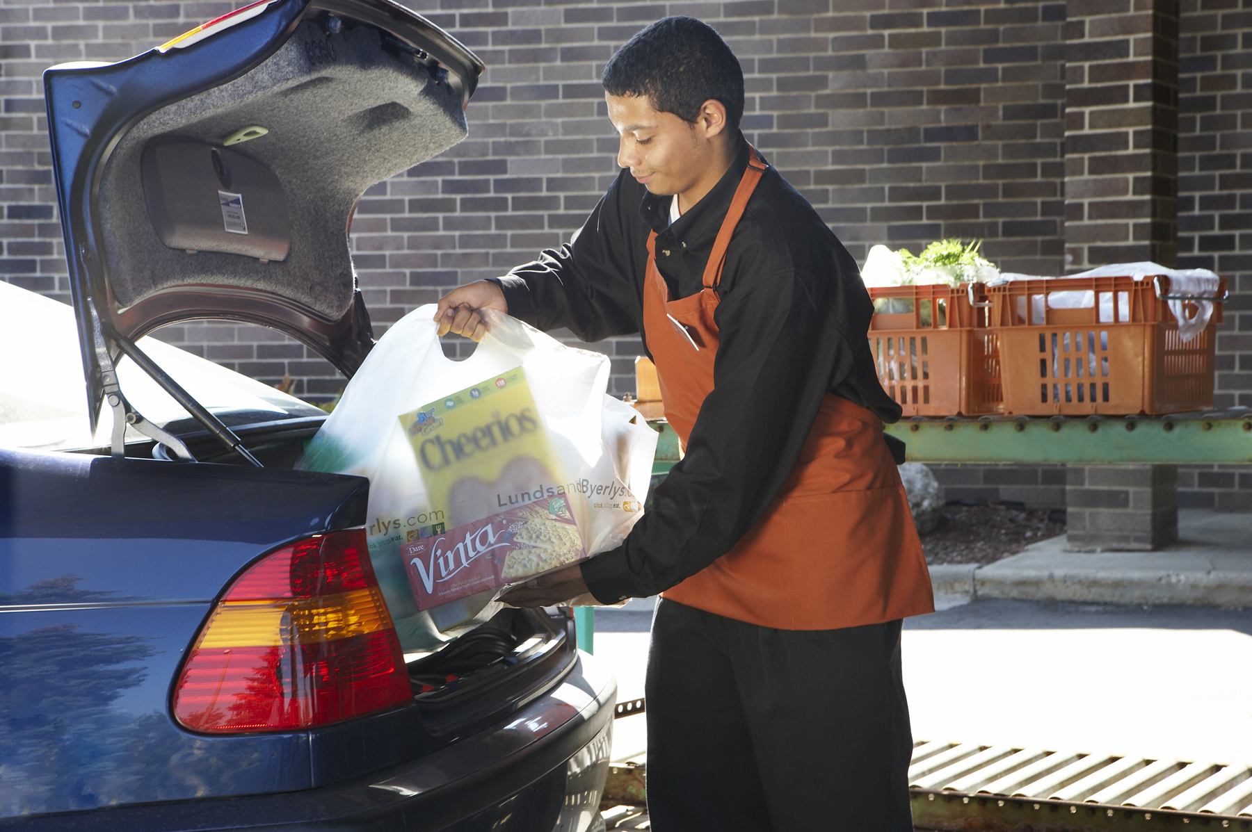 <p>Customers can choose to pick up their online grocery order at select Byerly's supermarkets. During the scheduled delivery time, customers simply drive through the parcel pickup lane designated for online shoppers to receive their orders.</p>