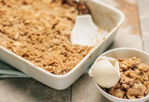 Lunds & Byerlys Apple-Almond Crisp
