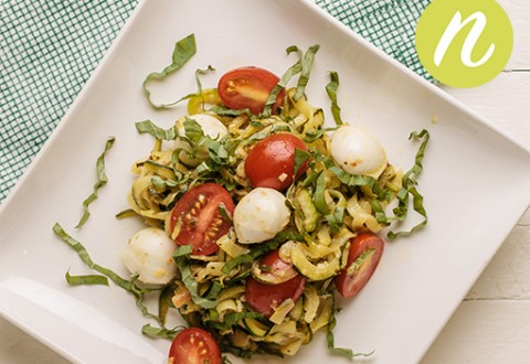 Lemon Garlic Zoodles with Cherry Tomatoes and Fresh Mozzarella