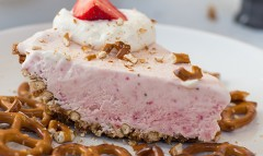 Strawberry Pretzel Pie