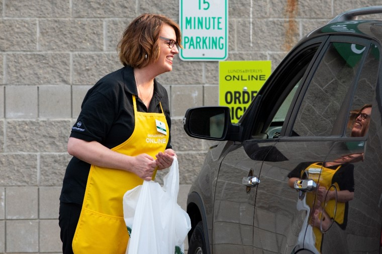 <p>Personal shoppers – easily identifiable in their yellow aprons – prepare customers' orders from the aisles of our stores on the day an online grocery order is scheduled for delivery or pickup.</p>