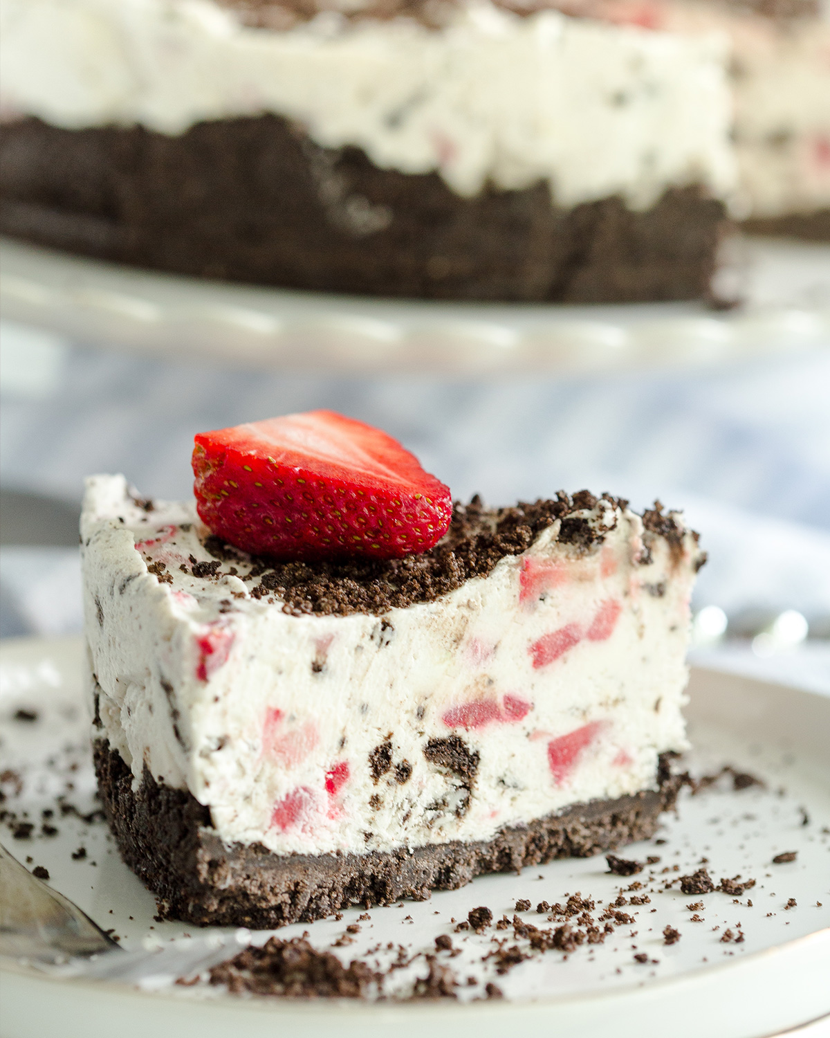 No-Bake Strawberry Oreo Pie