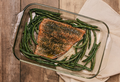 One-Pan Salmon & Green Beans