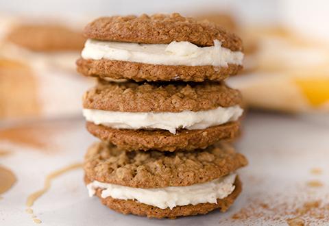 Maple Oatmeal Sandwich Cookies