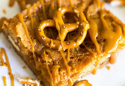 Caramel Pretzel Blondies