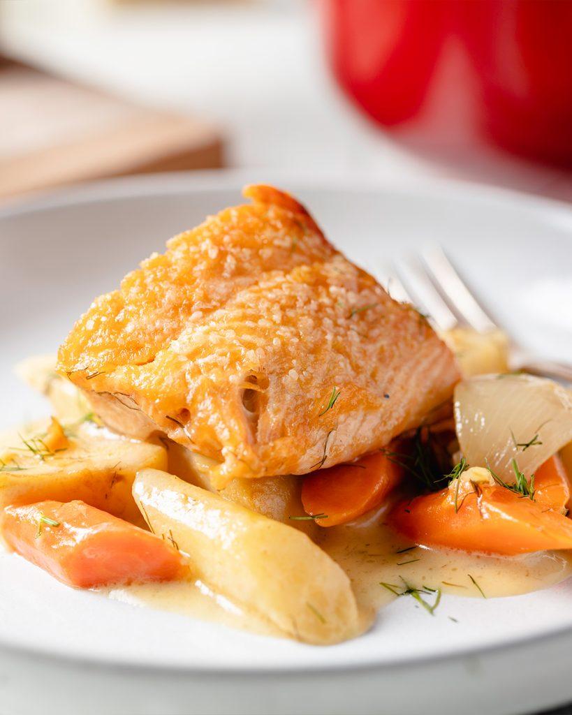 Salmon with Dill Cream Sauce