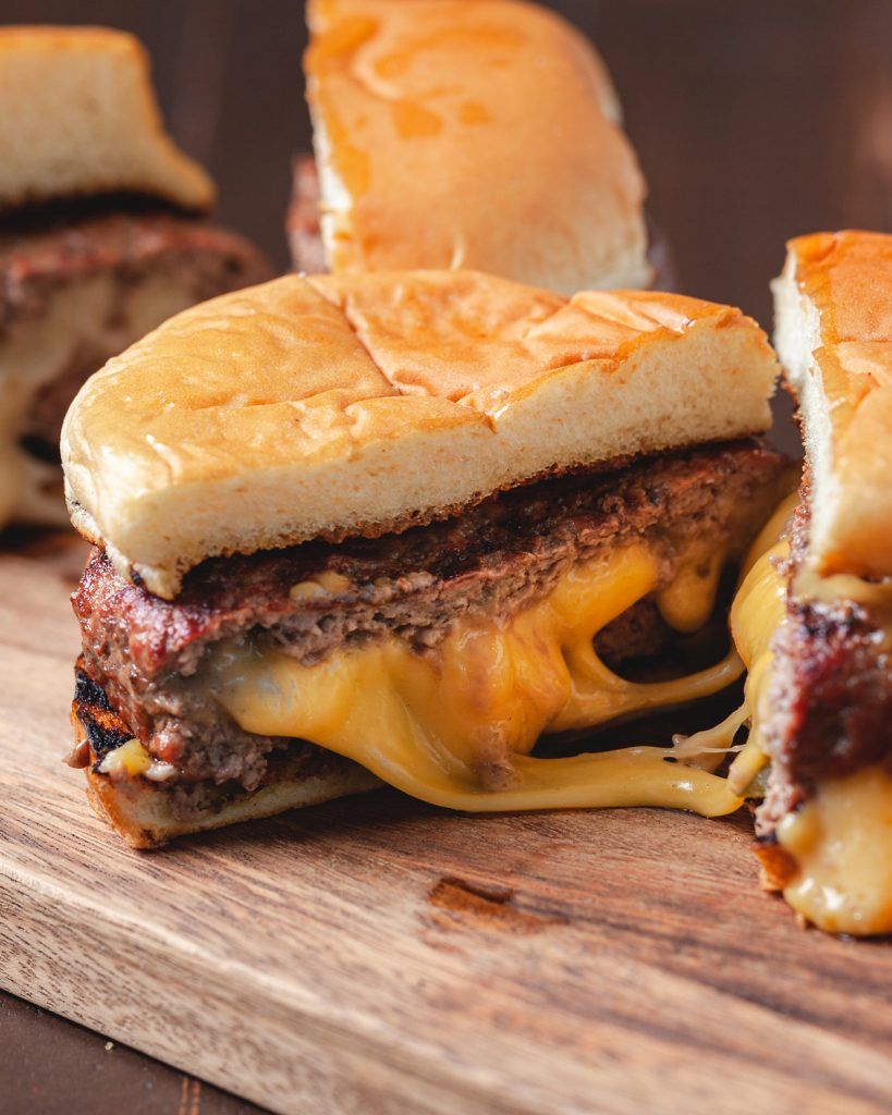 How to Make Perfect Juicy Lucy Burgers