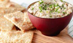 Crackers & Caramelized Shallot Dip